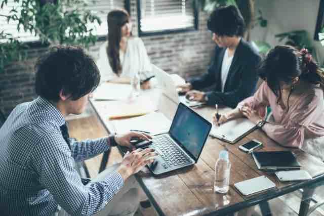 オフィス会議