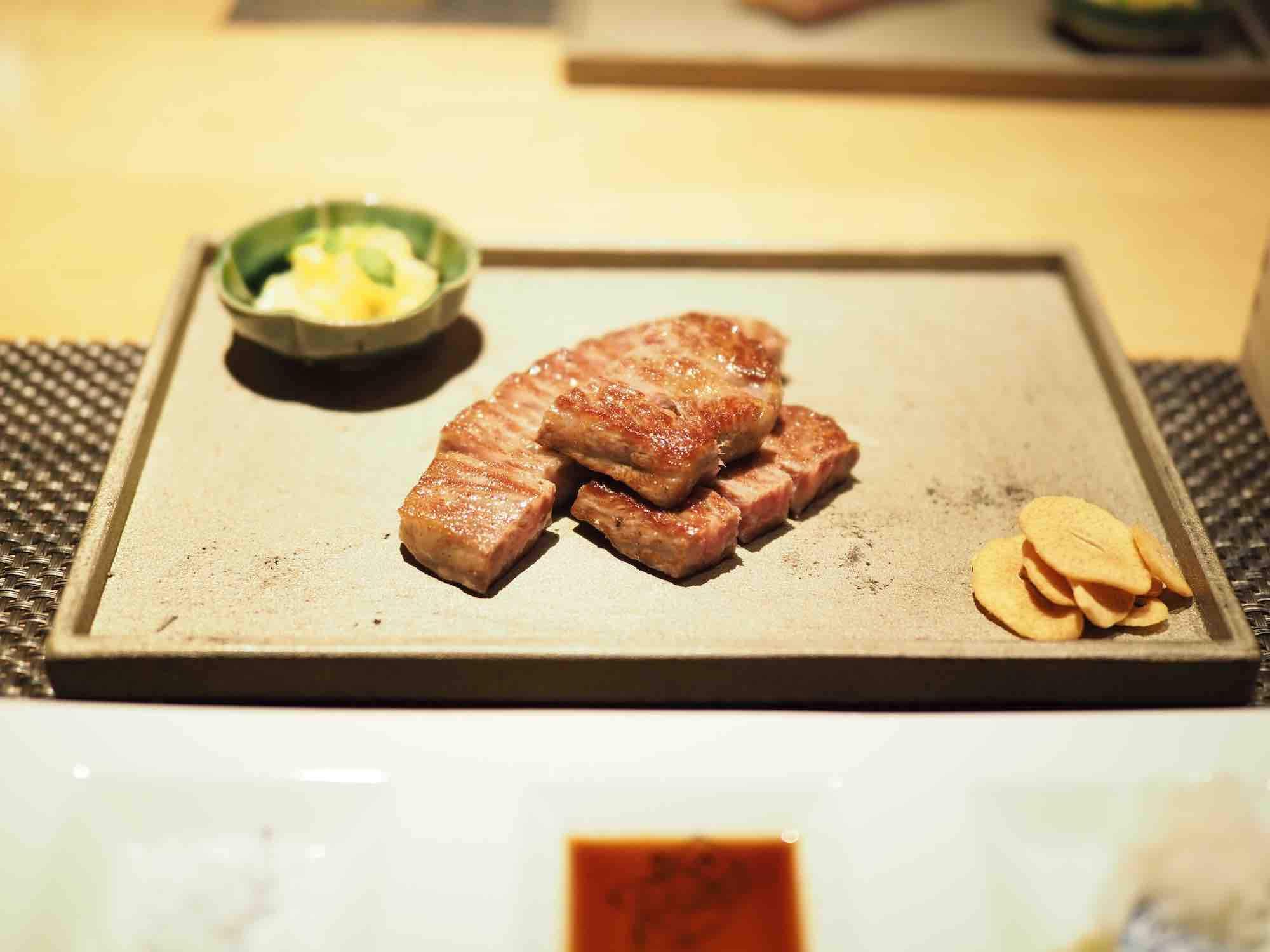 ホテルカンラ京都鉄板料理花六のメイン肉料